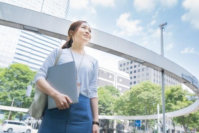関東で働く女性